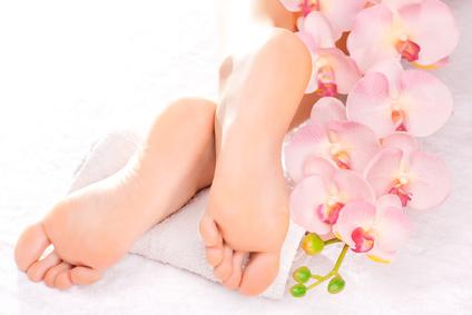 Glatte Füße nachdem die Hornhaut entfernt wurde.